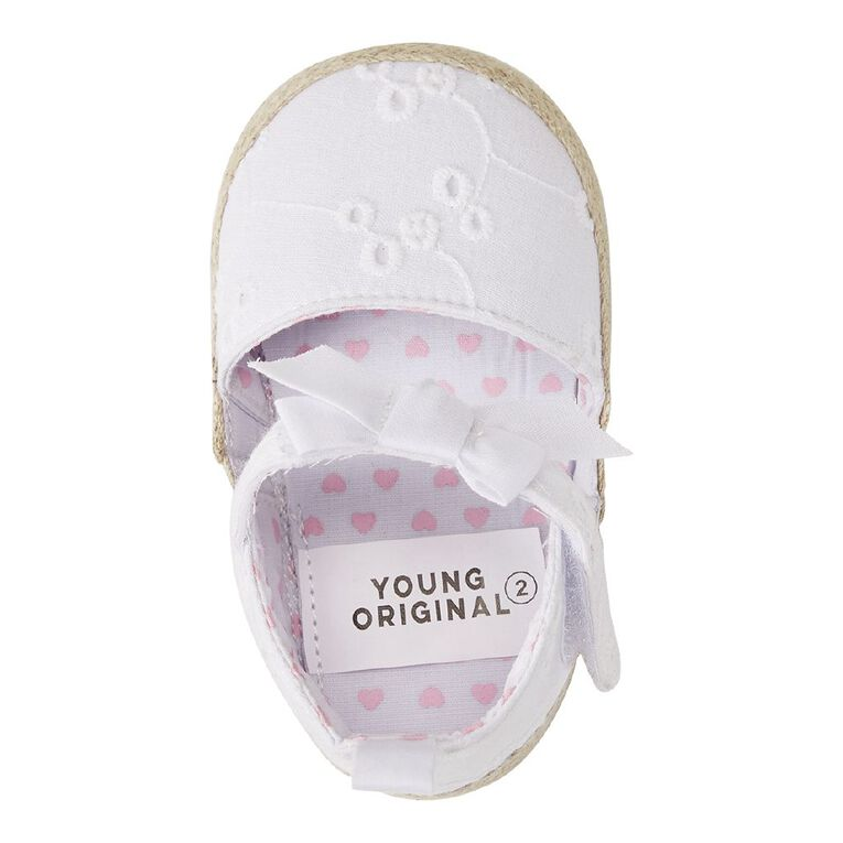 Young Original Infant Broderie Sandals, White, hi-res