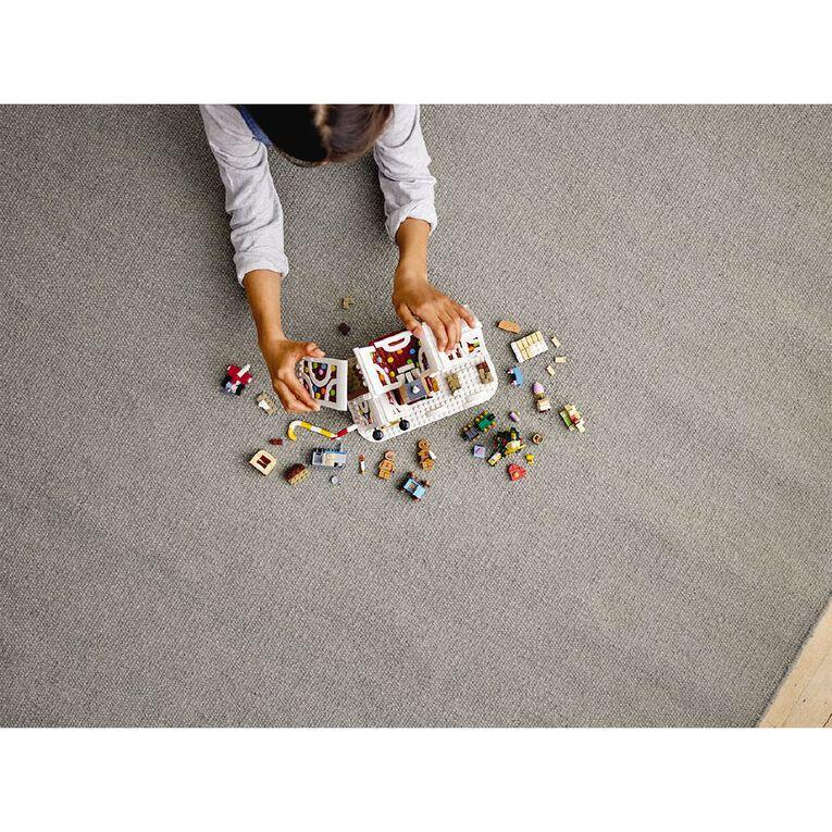LEGO Creator Expert Gingerbread House 10267, , hi-res