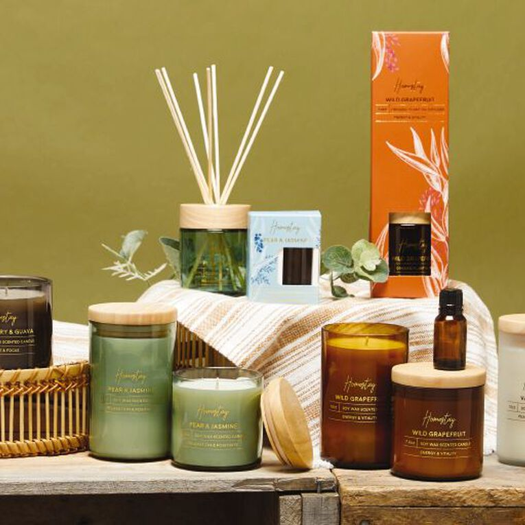 Living & Co Homestay Candle Wild Grapefruit Brown 13oz, Brown, hi-res