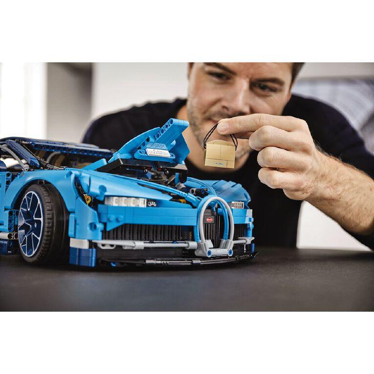 LEGO Technic Bugatti Chiron 42083, , hi-res