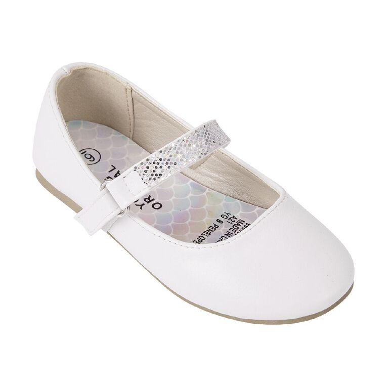 Young Original Penelope Ballet Shoes, White, hi-res