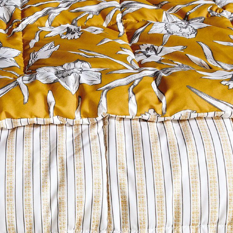 Living & Co Comforter Set 3 Piece Daffodils Yellow King, Yellow, hi-res