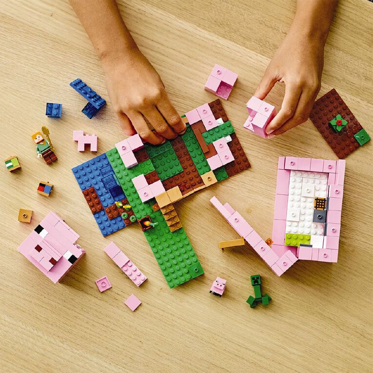 LEGO Minecraft The Pig House 21170, , hi-res
