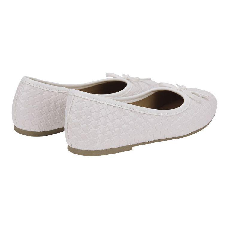 Young Original Petra Bow Shoes, White W21, hi-res