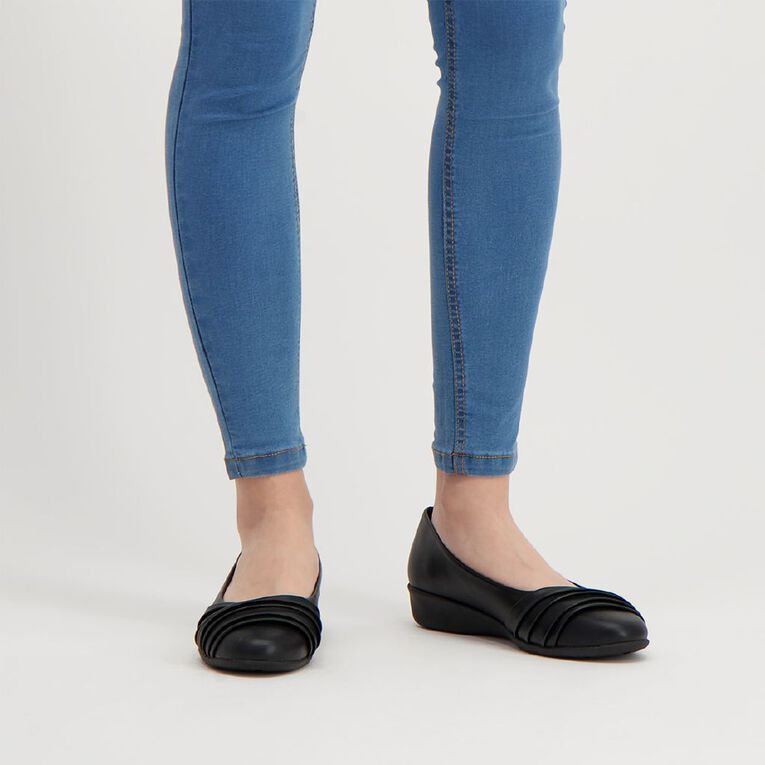 H&H Crossover Comfort Shoes, Black, hi-res