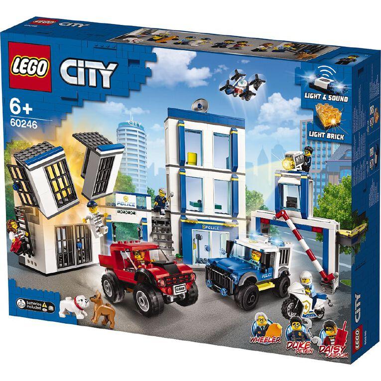 LEGO City Police Station 60246, , hi-res