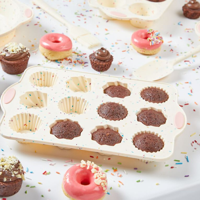 Living & Co Silicone 100's & 1000's Muffin Pan Multi-Coloured 12 Cup, , hi-res image number null